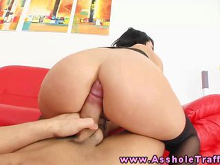 Amateur Anal Slut Gets Her Gaping Ass Eating