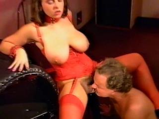 "Absolut hoerig busty brunette german retro 90's"" class=""th-mov"