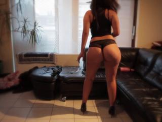 "hot brazilian pawg dance"" class=""th-mov"