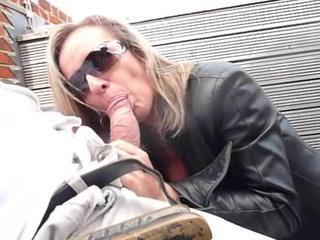 Hot milf goes shopping be incumbent on thigh cleaning woman