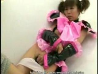 Asian girls-Schoolgirl in bukkake action