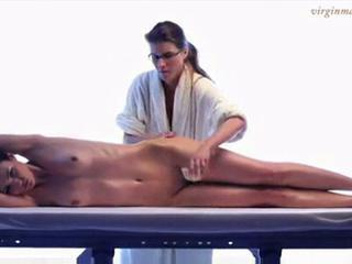 Amazing body gets massage