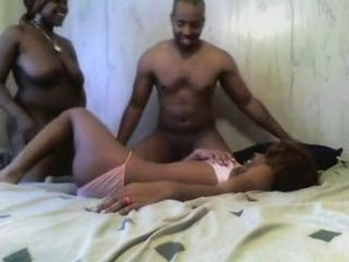 Amateur Big Tits Chubby Ebony Homemade   Threesome