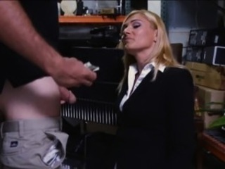 Hot milf banged by decry pawnkeeper at the pawnshop