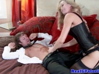 Almighty bimbo housewife riding guys dick