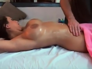Pleasuring pussy all over oil