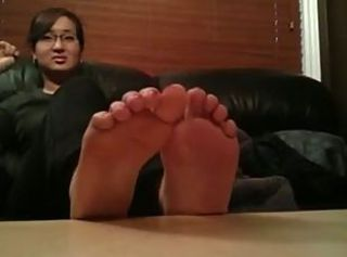 Korean student shows her feet