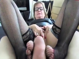 Mature German fucks added to gives footjob in nylons