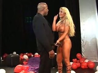 Pamela Butt Fucks a Massive Black Cock