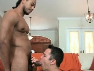 Muscled stud gets huge black cock part3