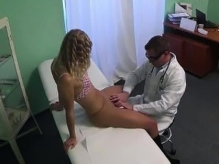 Sexy flaxen-haired patient gets fingered by her doctor