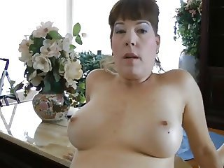 Mommy Likes To Fuck not Son's Cock-daddi