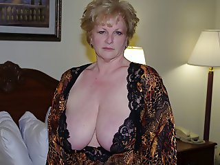 Amateur  Big Tits Homemade Mature Natural  Wife