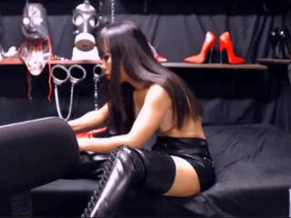 "Whore in leather skirt fucks in the ass"" class=""th-mov"