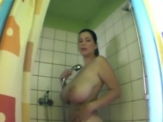 Girls big tits and vaginas in the shower and naked