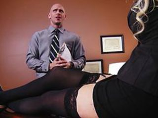 Big-Titted blonde MILF offers her intern the job if he ...