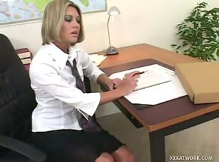Sexy temp fills in for her boss at paying with sex _: office