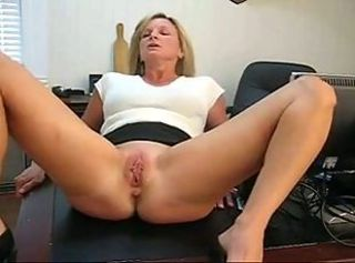 Wife spanked by her boss _: amateur milfs spanking