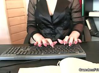 Redheaded cougar wants both dicks on her mouth _: old man young woman office