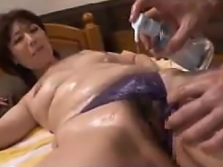 Japanese Babe in arms Massaged And Fingered