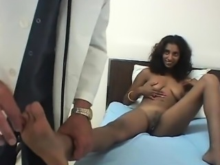 Sexy Indian beauty licked by her doctor