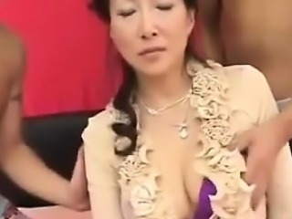 Creampie For A Mature Japanese Woman