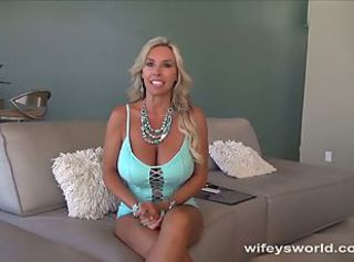Hot milf is ready for porn put to use