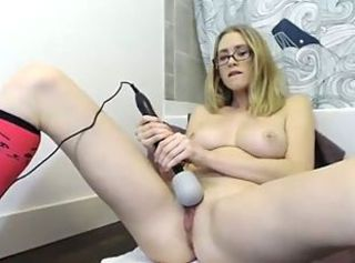 Angela 2 squirts with vibratot