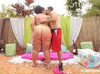 BBW Latina Diana Nicole sweet backyard fuck