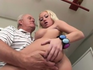 Madison Makes Papa Gumshoe Hard With Serious Blowjob