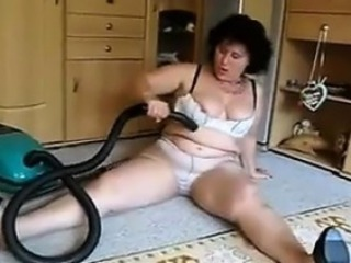 Matured Cookie Vacuums Her Dirty Pussy
