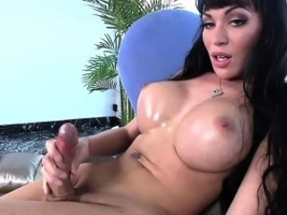 Bosomy bush-leaguer trannie strokes her thick flannel