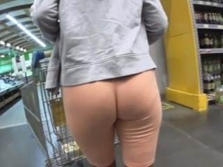 Cameltoe and flashing in public