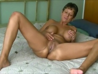 Amateur Cougar Fuck a young stud