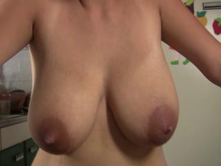 "lactomanija - Pumping With Zorra"" class=""th-mov"