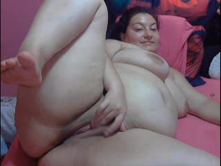 bbw play with pussy on cam