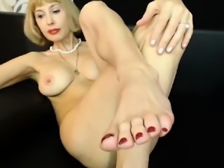 Hot Mature Sexy Feet Fetish