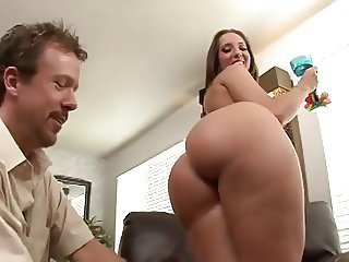 Brunette PAWG Gets A Load Sprayed On Her Ass