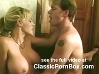 Sindee Coxx Sex in Cramped Bathroom