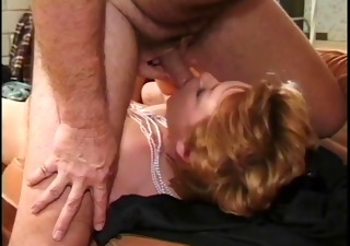 hawt mature sharin banging on daybed