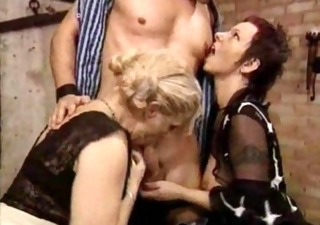 Blowjob Mature Threesome Vintage