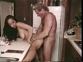 Asiatisk Doggystyle Hardcore Interracial Kjøkken MILF Vintage
