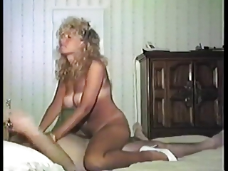 Amateur  Riding Vintage Wife