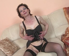 Slim mature mom with very hungry old cunt