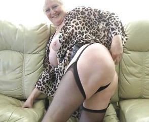 Amateur Ass Big Tits Blonde Mature Natural Stockings