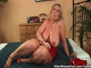 Big Tits Mature  Natural  Stripper Wife