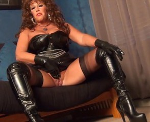 Fetish Latex Masturbating Mature Pussy