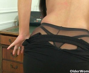Ass British European Mature Office Pantyhose Secretary Solo Stripper