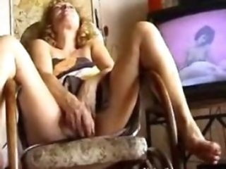 Amateur Homemade Masturbating Mature Orgasm Toy