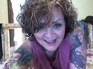 Mom Solo Tattoo Webcam